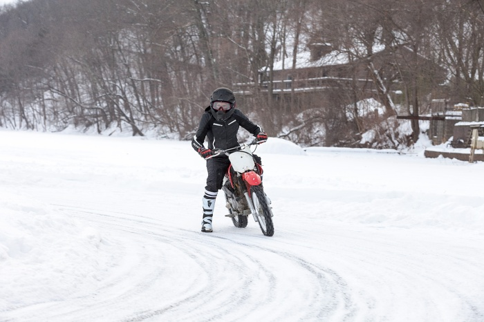 15_0207_IceRacing_087A